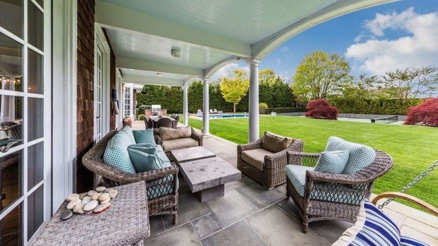 An ideal veranda for entertainers.
