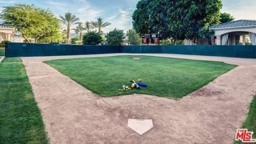 Mini baseball diamond