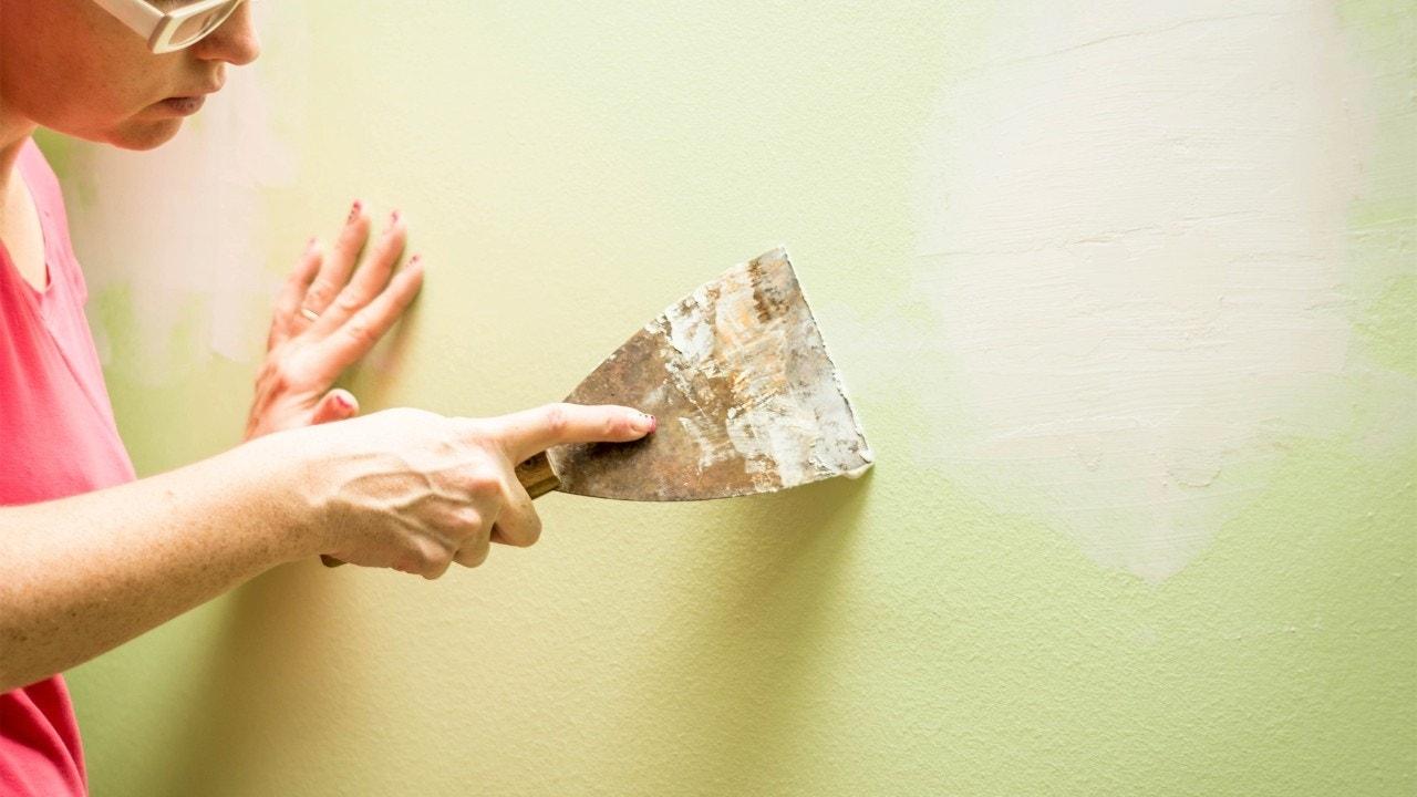 How to Repair Drywall: A Homeowner's Guide