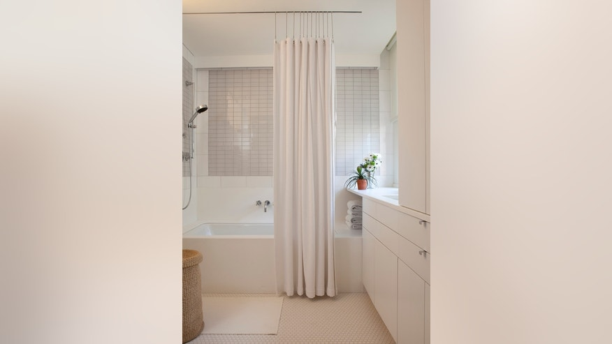 Home staging the bathroom