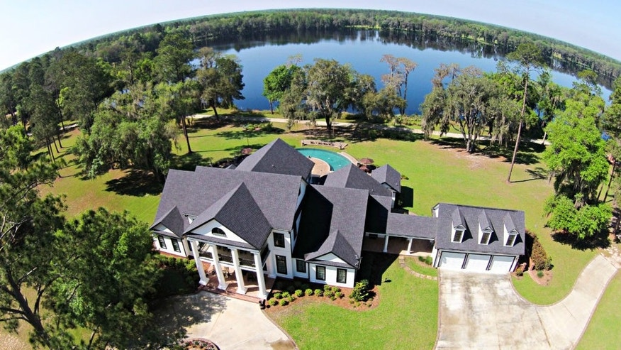Honey Lake Plantation includes the main house and an 80-acre lake.