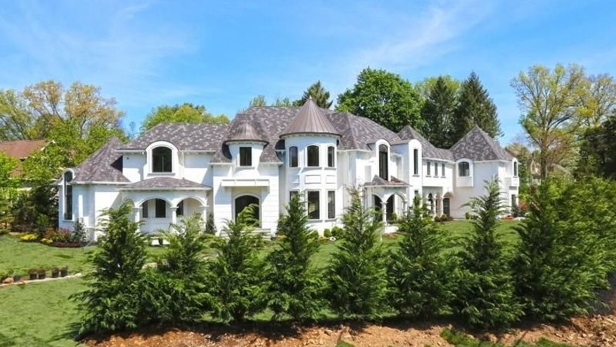 Franklin Lakes home exterior