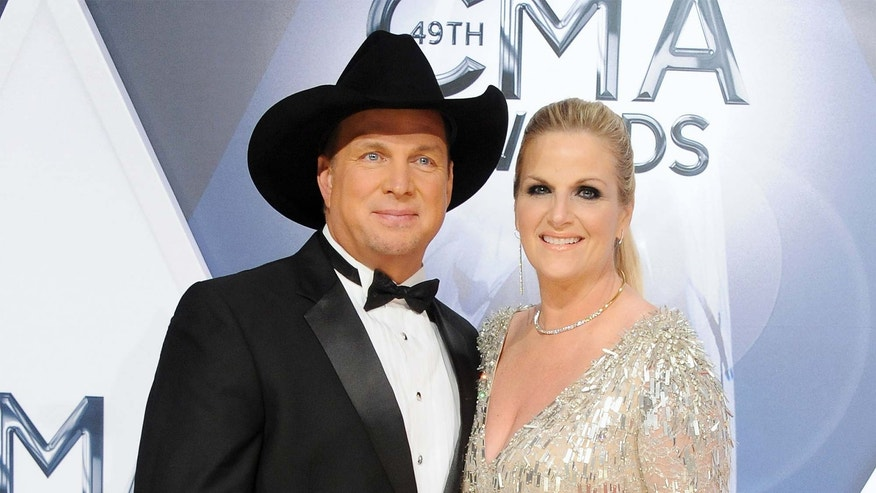 Garth Brooks and Trisha Yearwood sell malibu home