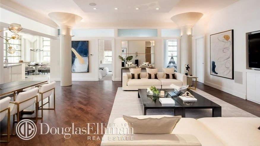 39 real housewives 39 star bethenny frankel selling her for Living room channel 10 codeword