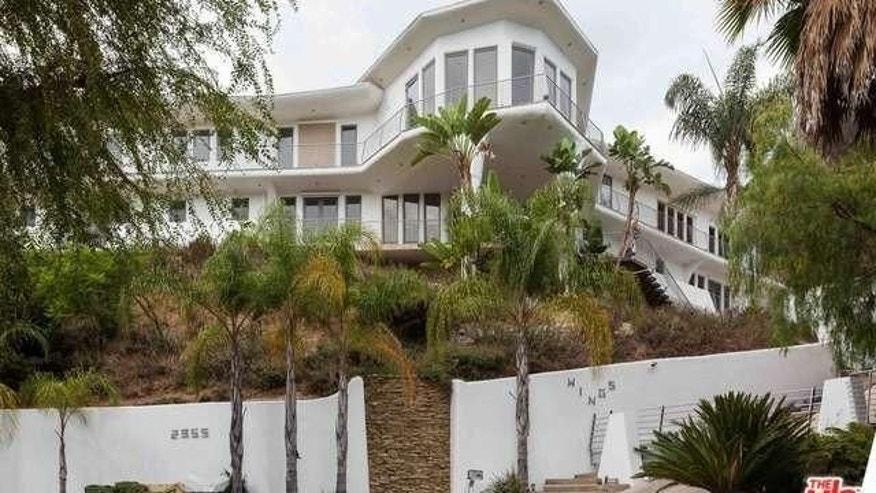 "Kathy Griffin's Hollywood Hills House is known as ""Wings"""