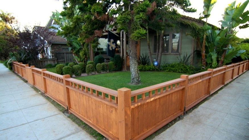 , How to Politely Install a Fence Between You and Your Neighbor, Metro Fence