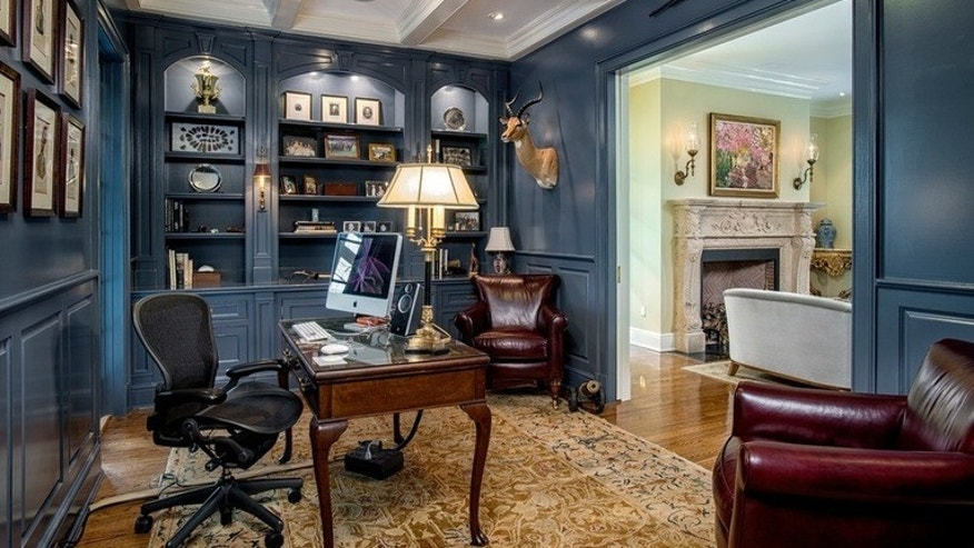 How to design a home office that works for you fox news for Office design houzz