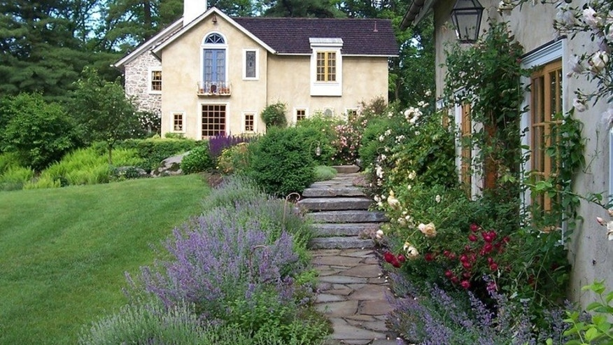 Houzz_GardenHouse2