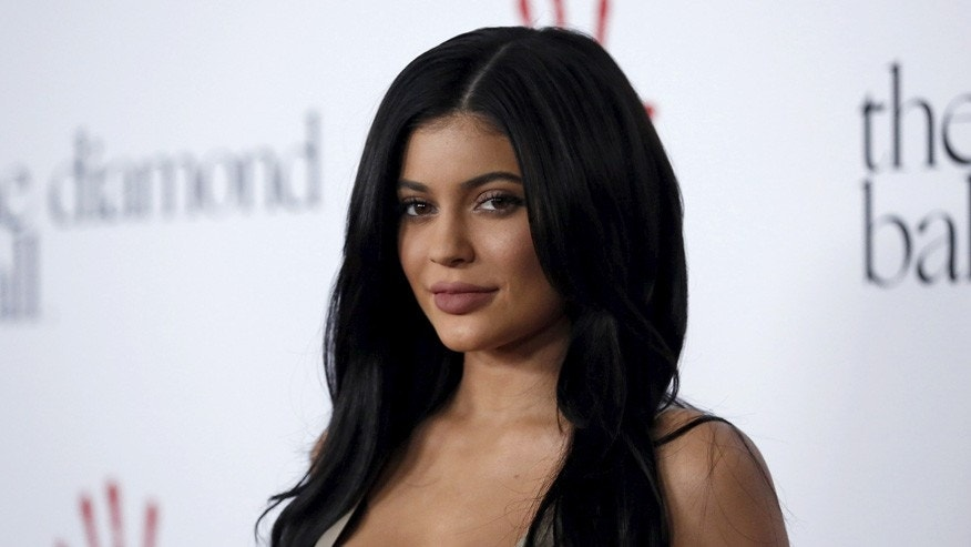 Makeup mogul Kylie Jenner might be having a hard time unloading her mansion.