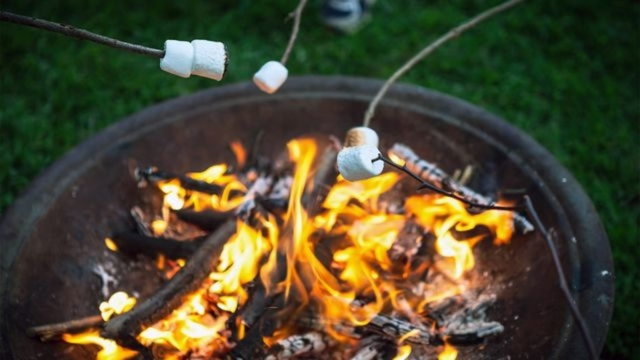 fire-pit-marshmallows