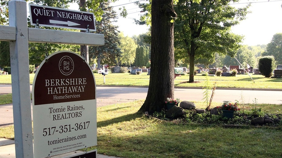 "A home for sale near a cemetery advertises it has ""quiet neighbors"""
