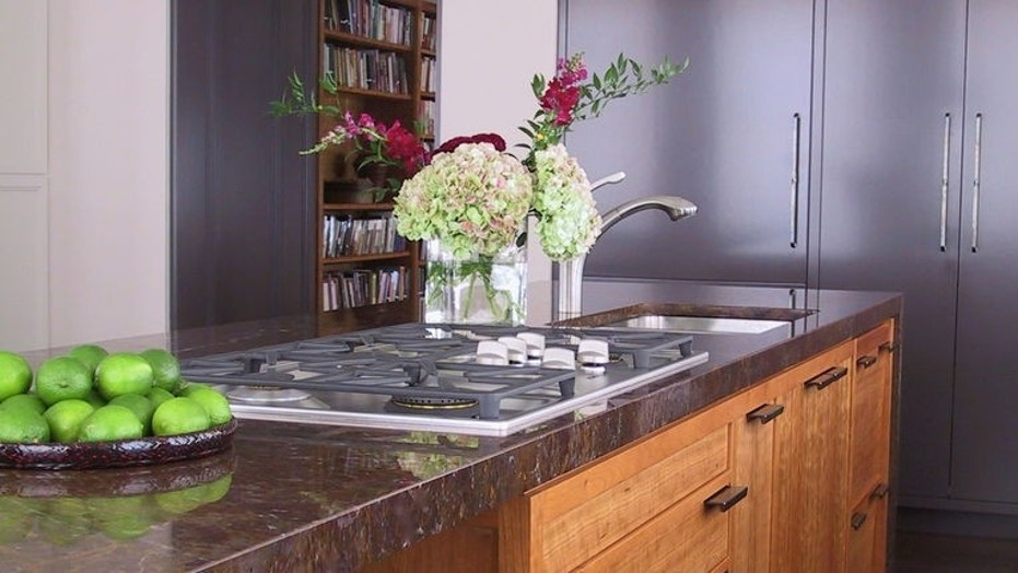 Houzz_KitchenCabinets3 & 8 must-know techniques for keeping your kitchen cabinets sparkling ...