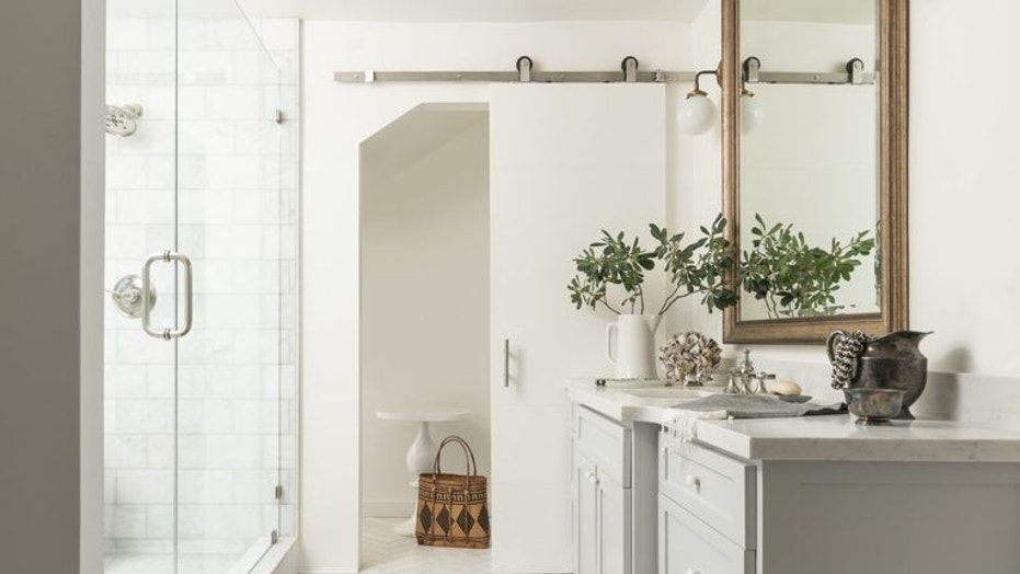 How to freshen up a drab or dated bathroom | Fox News Houzz Kitchen Bathroom Designs Html on fireplace with stone wall living room design, trends bathroom design, renovation bathroom design, bathroom interior design, shabby chic bathroom design, joanna gaines bathroom design, house beautiful bathroom design, very small bathroom design, rustic cottage bathroom design, simple small house design, asian bathroom design, modern bathroom design, early 1900 bathroom design, fall bathroom design, mediterranean bathroom design, spa bathroom design, small bathroom tile design, retro bathroom design, pinterest bathroom design, shaker style bathroom design,