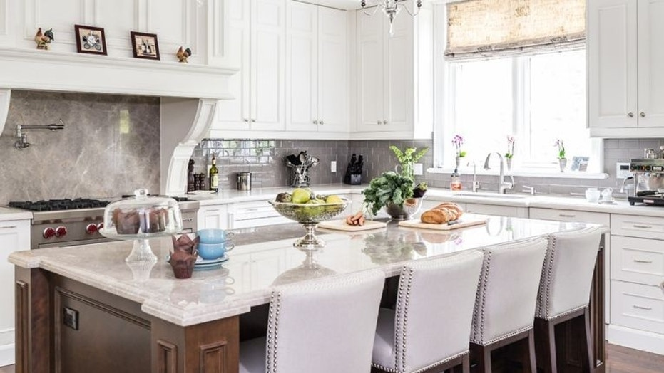 How to choose the best kitchen counter seating | Fox News