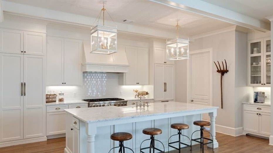 How To Choose The Best Kitchen Counter Seating Fox News