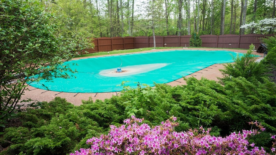 How to winterize a swimming pool - World News Explorer