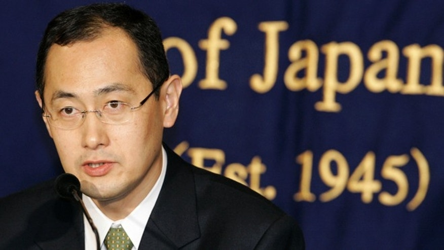 Shinya Yamanaka, a Kyoto University scientist who invented a new, easy-to-handle technology to create the equivalent of  human stem cells from ordinary tissue like skin, speaks at a press conference in Tokyo in 2009.