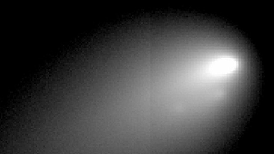 This image of Comet Hergenrother, taken by the Gemini telescope on Nov. 2, 2012, shows several distinct pieces near the comet's core.