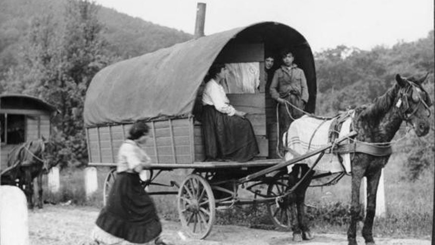 Romani with their wagon, photographed in the Rheinland of Germany in 1935.