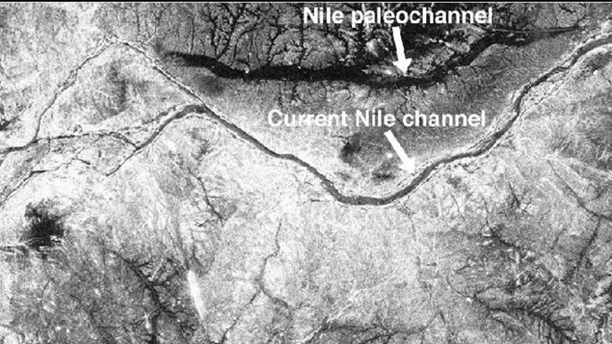 A gray-scale images from NASA's Space Shuttle showing part of the actual Nile river, near the Fourth Cataract in Sudan. This photograph was acquired by Radar aboard Space Shuttle Endeavour in April 1994.