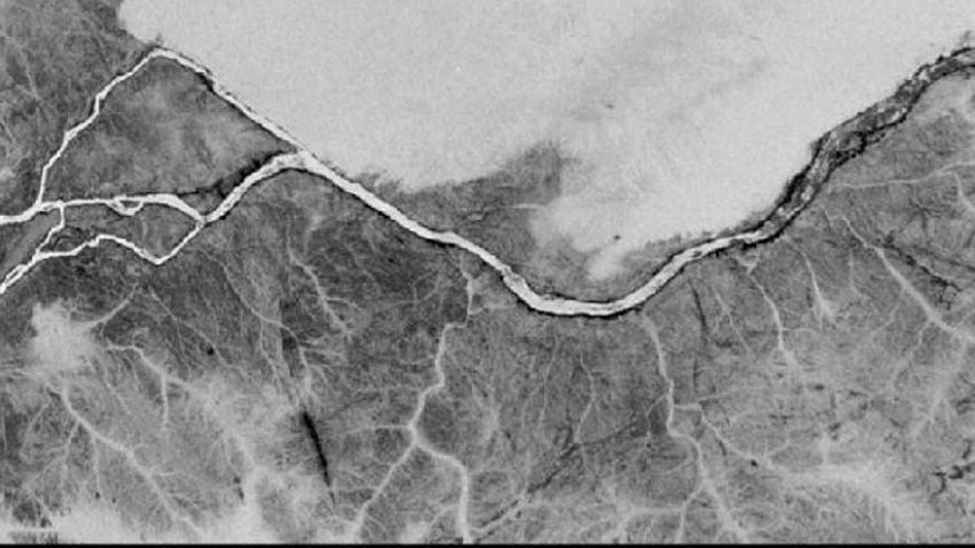 A gray-scale images from NASA's Space Shuttle showing part of the actual Nile river, near the Fourth Cataract in Sudan. This photograph was originally taken with color infrared film from Space Shuttle Columbia in November 1995.
