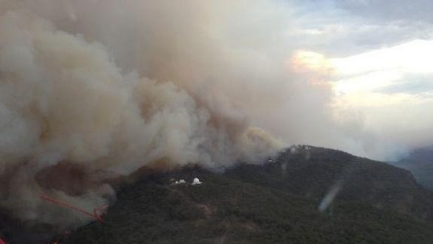 Fire approaching Siding Springs Observatory near Coonabarabran in January 2013.