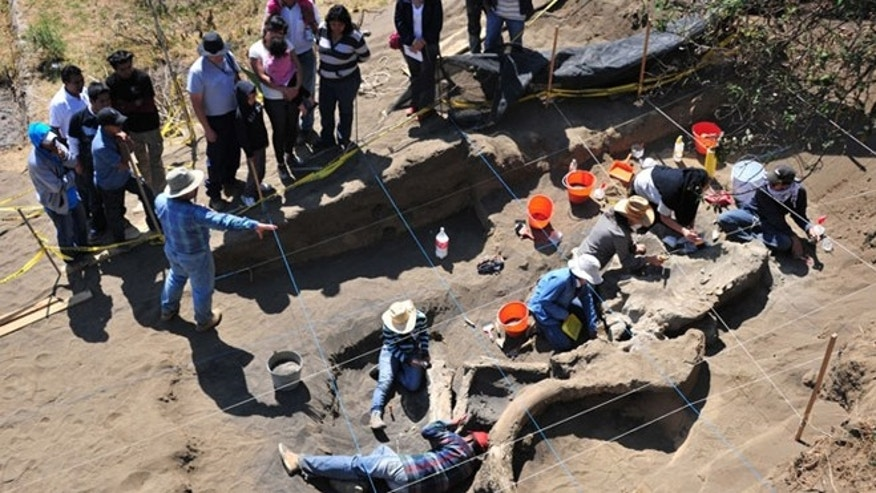The investigation is being conducted Jointly by INAH and the Anthropological Research Institute of the UNAM, with the support of the Delegation Milpa Alta.