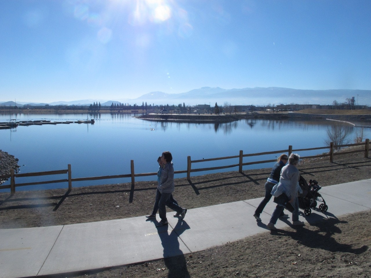 Entire fishery dead in nevada marina as many as 100 000 for Sparks marina fishing
