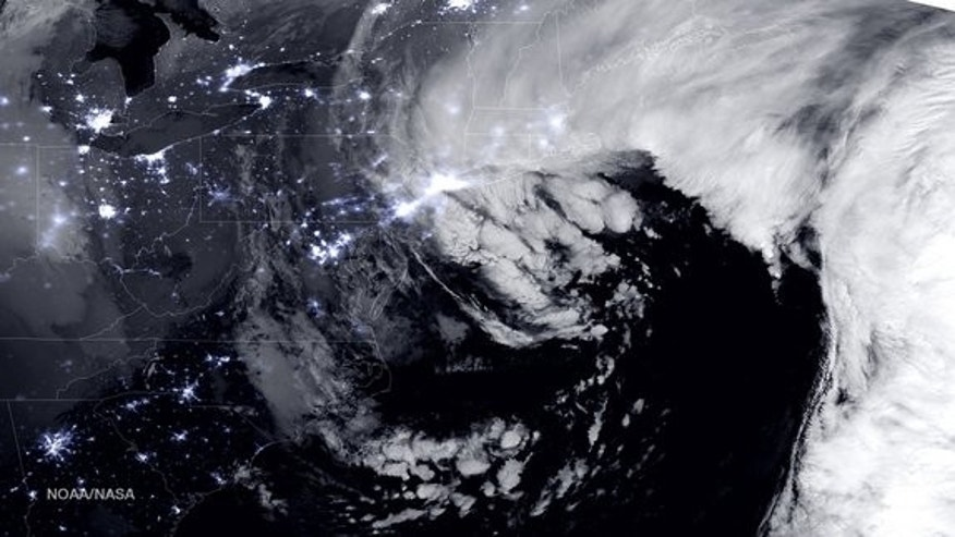 This image by the Suomi NPP satellite, which is operated by NASA and the National Oceanic and Atmospheric Administration, showed the January 2015 winter storm near peak intensity as it moved over the New York through Boston metropolitan areas a