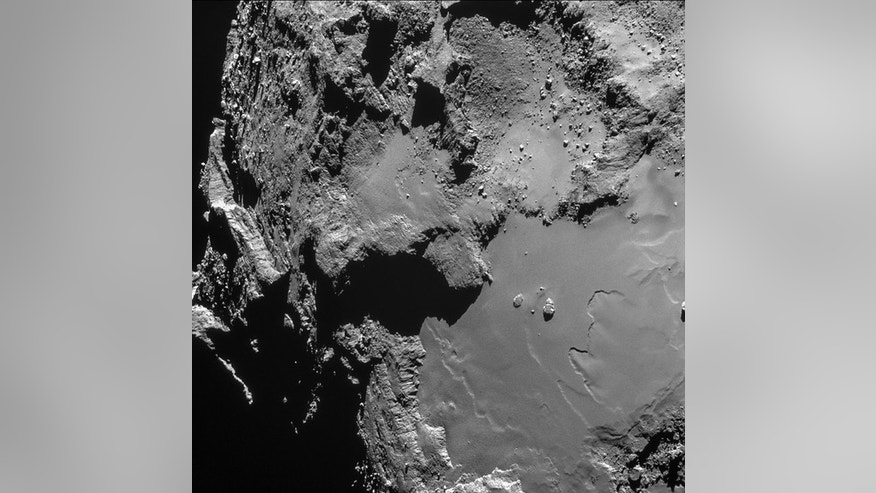 An image of Comet 67P/Churyumov-Gerasimenko taken from 9.5 miles above the surface.