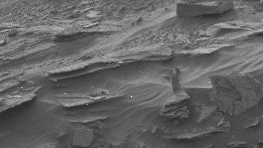 Strange 'figure' spotted by Mars Curiosity Rover | Fox News