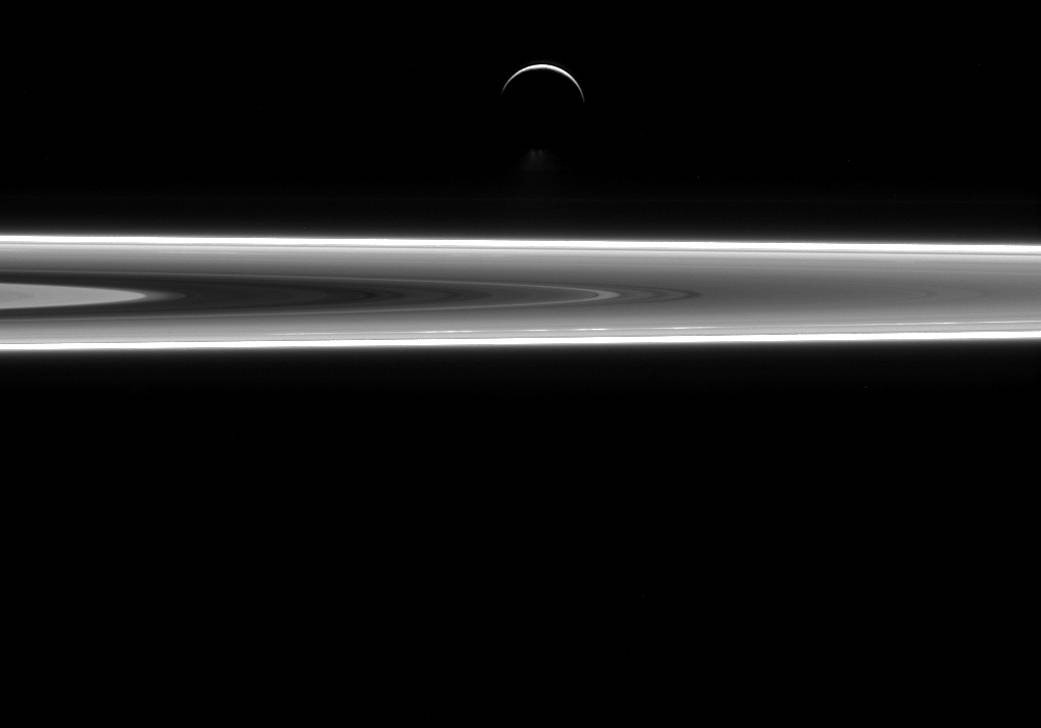 Check out this stunning Cassini image of Saturn's rings and its moon Enceladus