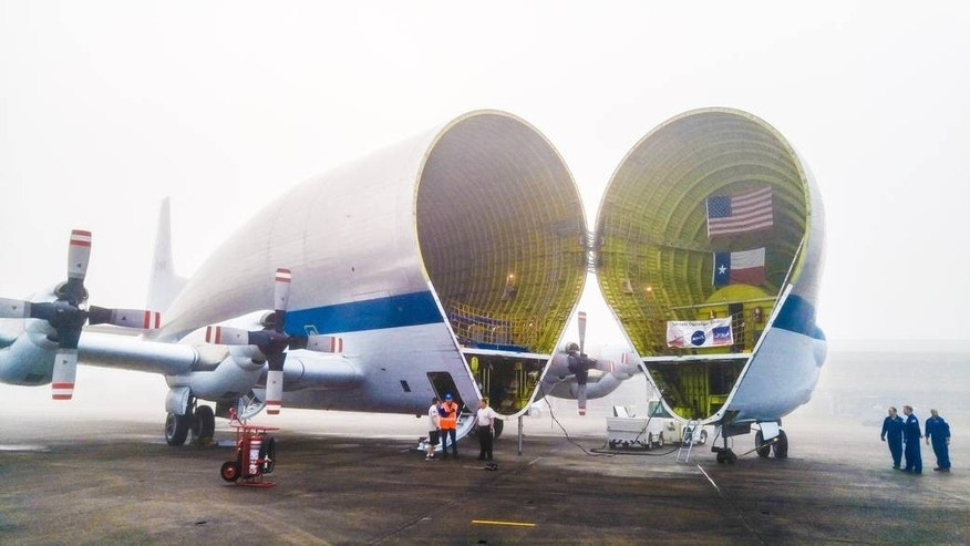 NASA's enormous 'Super Guppy' cargo plane ships spacecraft destined for Mars