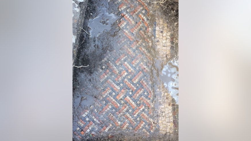 The Roman mosaic (Wiltshire Archaeology Service).