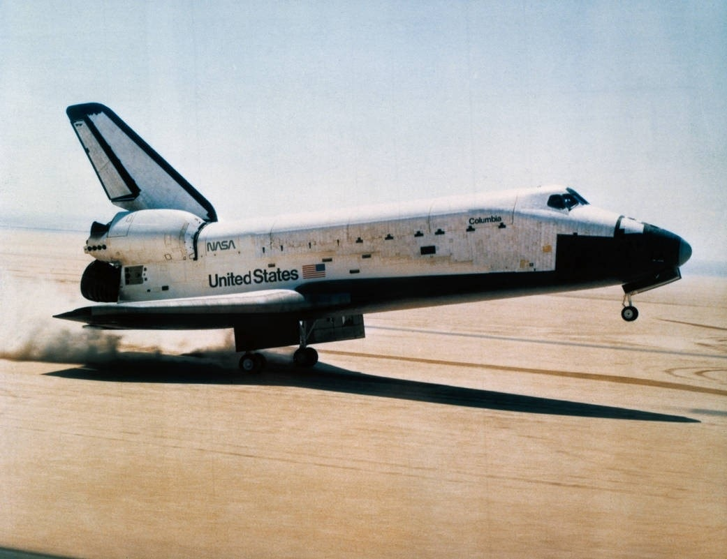 picture of the first u.s space shuttle - photo #32