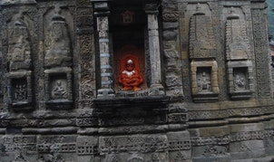 A damaged and clamped pillar at the Lakshmi Narayan Temple in the Chamba region of India is a sign of a past earthquake. The damage likely occurred hundreds of years ago, meaning the nearby fault has had a lot of time to