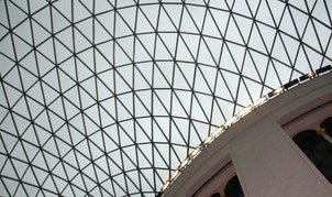 The glass and steel roof of the Great Court of the British Museum is seen in London March 8, 2008. Opened in December 2000, the Great Court of the British Museum is the largest covered public square in Europe.  REUTERS/John Goh (BRITAIN) - RTX5H0G