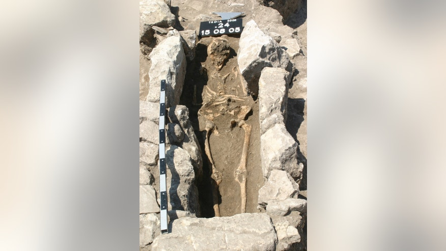 The skeleton of a woman who died 800 years ago on the outskirts of the ancient city of Troy in modern Turkey has yielded the first record of maternal sepsis in the fossil record.