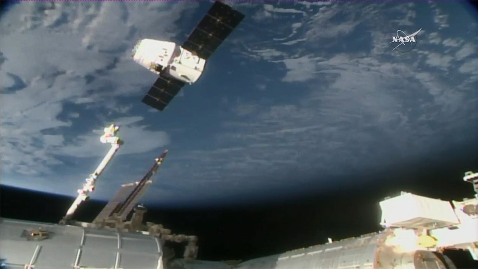 SpaceX dragon capsule returns to Earth after Space Station ...