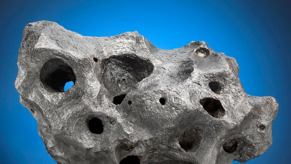 Arizona meteorite fetches record-breaking $237,500 at auction