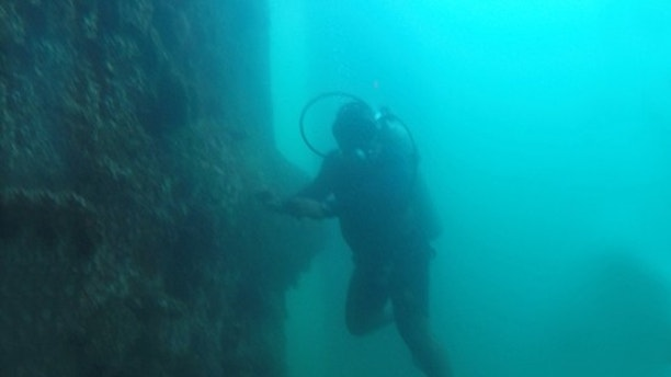 The Sri Lankan Navy divers deployed 98 divers on the ambitious salvage operation