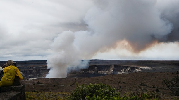 Hawaii Volcano Could Have Explosive Eruption — Federal Geologists
