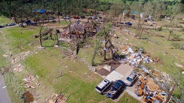 Homes are severely damaged after a tornado hit the town of Emory, Texas, U.S. April 30, 2017.  REUTERS/Brandon Wade - RC12E87DF980