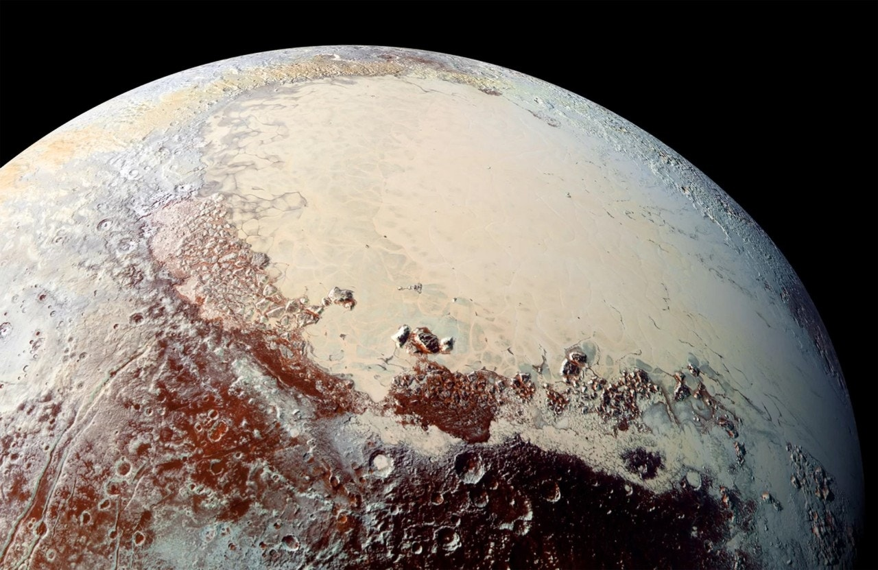 Pluto may have formed from 1 billion comets