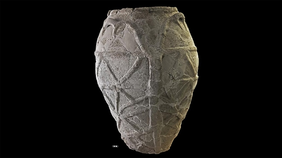 The oldest olive oil on record in Italy was found in this textured pot with starfish-like designs. Credit: Courtesy: Sicily Region; Syracuse Regional Park for archaeological sites and museums; Paolo Orsi Museum