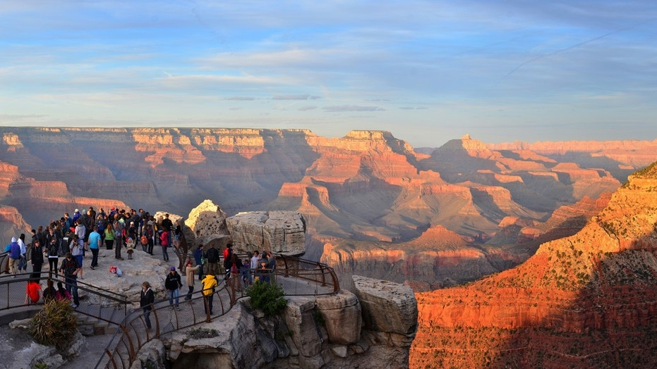 A short walk or free shuttle bus ride from the main parking areas at Grand Canyon Visitor Center, Mather Point provides a spectacular view of Grand Canyon.