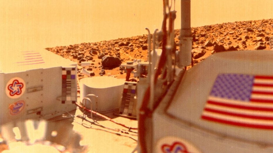 This view from the Viking 2 shows Utopia Planitia on Mars in 1976. Some researchers think that the Viking lander's main instrument may have burned up organic molecules in collected soil samples. Credit: NASA/JPL-Caltech