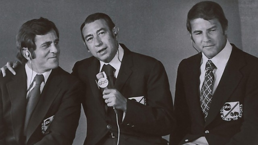 "This January 1972 photo provided by ABC shows, from left, Don Meredith, Howard Cosell and Frank Gifford. Meredith, one of the most recognizable figures of the early Dallas Cowboys and an original member of ABC's ""Monday Night Football"" broadcast team, died Sunday in Santa Fe, N.M. He was 72. (AP/ABC)"