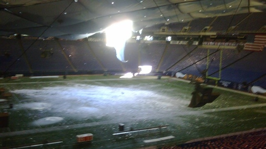 Dec. 12: Heavy snow causes the Metrodome's roof to collapse.