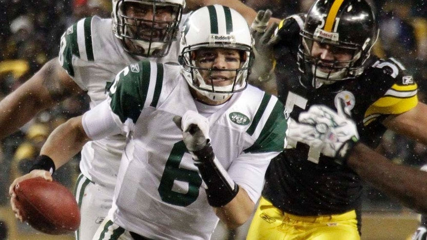 Pittsburgh Steelers New York Jets in an NFL football game in Pittsburgh, Sunday, Dec. 19, 2010. The Jets won 22-17. (AP Photo/Gene J. Puskar)